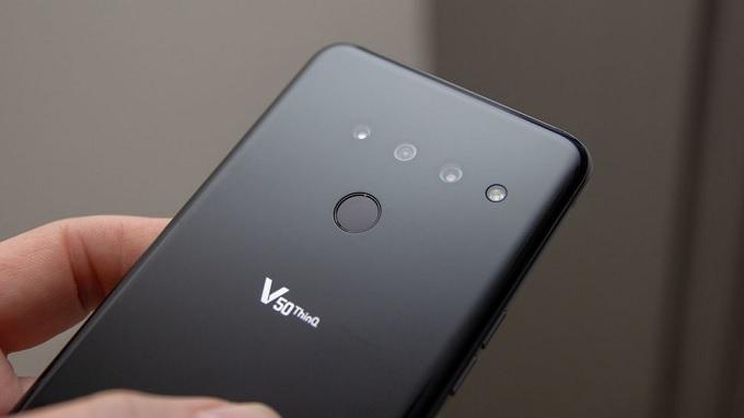 LG V50 ThinQ Hàn Quốc có 3 camera sau và đèn flashLED
