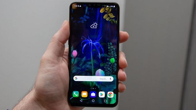 LG V50 ThinQ có màn hình tai thỏ
