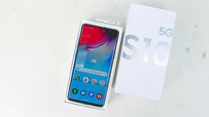 Màn hình Samsung nổi bật và đẹp hơn