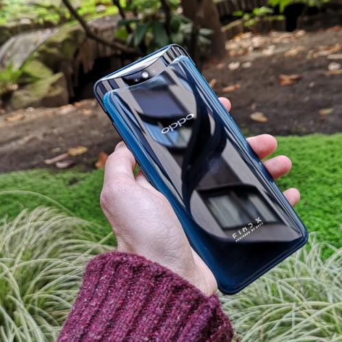 iPhone X, Galaxy S9 cũng phải 'xách dép' trước những điện thoại này