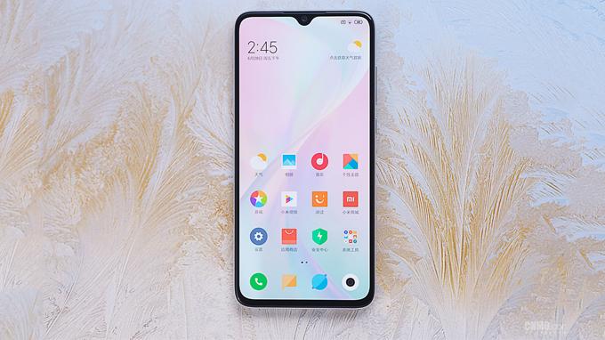 Xiaomi CC9 sở hữu thiết kế màn hình giọt nước độc đáo, phù hợp với xu hướng hiện nay mang đến không gian trải nghiệm rộng rãi cho người dùng