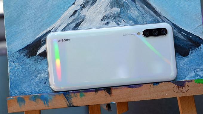 Mặt trước của Xiaomi Mi CC9 64GB được trang bị camera 32MP