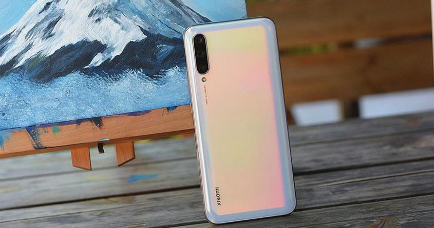 Trên tay siêu phẩm Xiaomi Mi CC9e: Cấu hình ổn định, giá cực hời