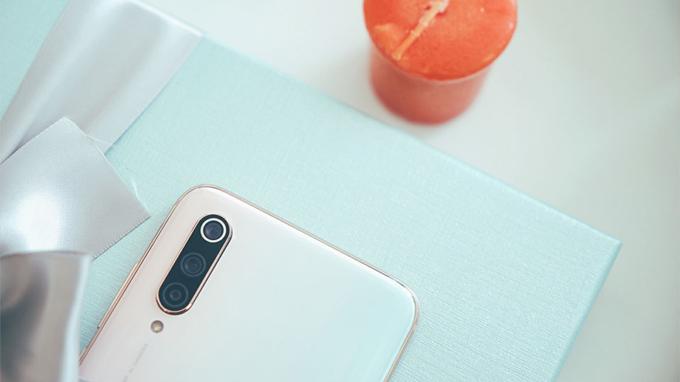 Camera Mi CC9 Meitu hỗ trợ nhiều tính năng chụp ảnh tốt nhất, với chế độ chụp chân dung ánh sáng yếu AI, các bộ lọc làm đẹp...