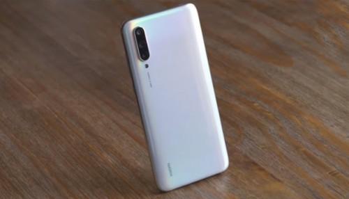 Mua Xiaomi Mi CC9: Lựa chọn đáng giá, hợp ví tiền giới trẻ