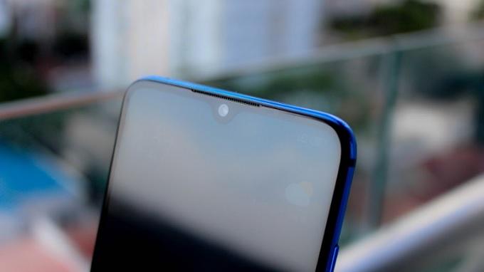 Camera selfie trên Mi CC9 có kích thước cảm biến lớn hơn
