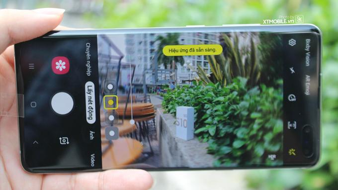 Samsung Galaxy S10 5G 512GB cũ này được trang bị 4 camera sau