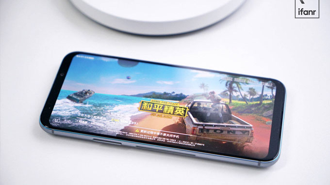 Màn hình điện thoại Black Shark 2 Pro hỗ trợ nhiều tính năng mới mẻ
