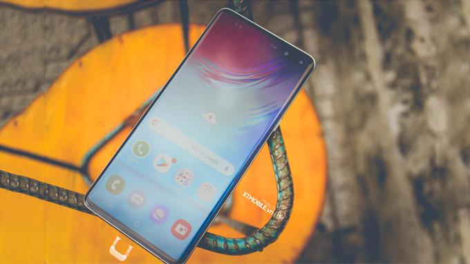Samsung Galaxy S10 5G 512GB cũ đi kèm với màn hình Dynamic AMOLED