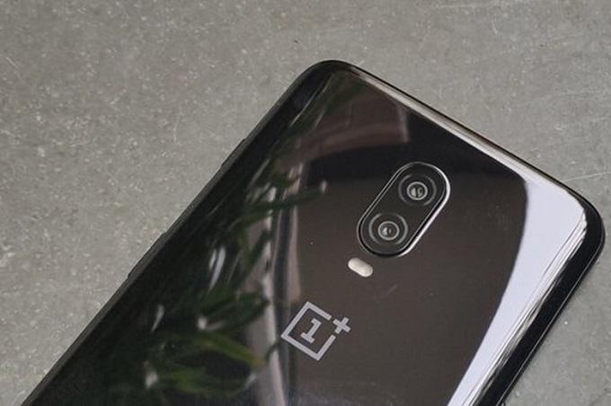 Camera OnePlus 6T được trang bị 2 ống kính ở mặt sau