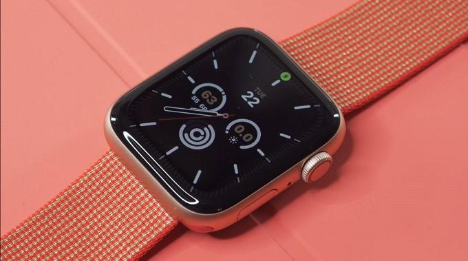 Apple Watch SE 44mm (GPS) được cung cấp sức mạnh từ chip Apple S5 cho hiệu năng nhanh hơn 2 lần so với chip Apple S3