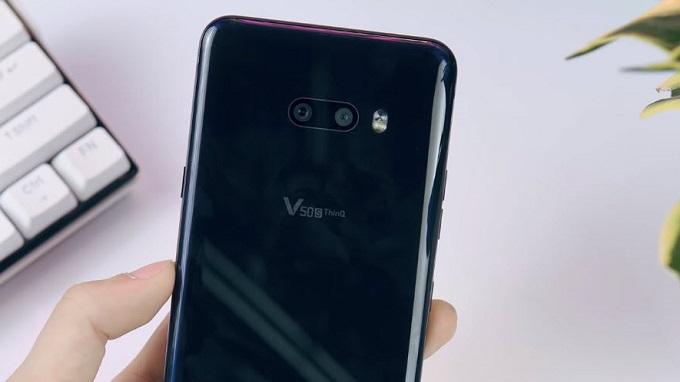 LG V50S ThinQ 5G 256GB Hàn Quốc chỉ đi cùng cụm camera kép ở mặt lưng