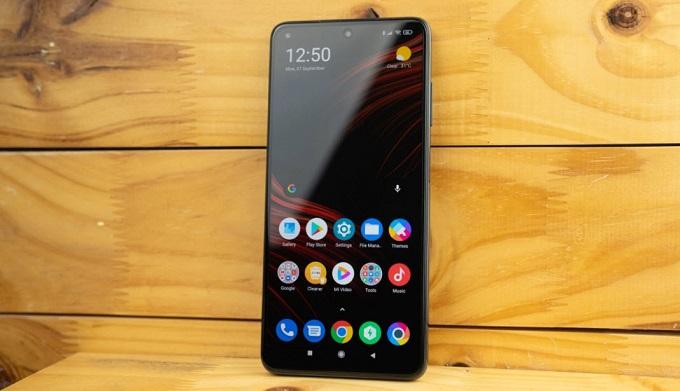 Xiaomi Poco X3 được trang bị tấm nền IPS LCD 6.67 inch