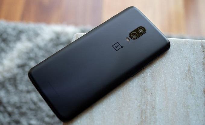 Thiết kế OnePlus 6T thu hút người dùng bởi sở hữu nhiều chi tiết lạ mắt