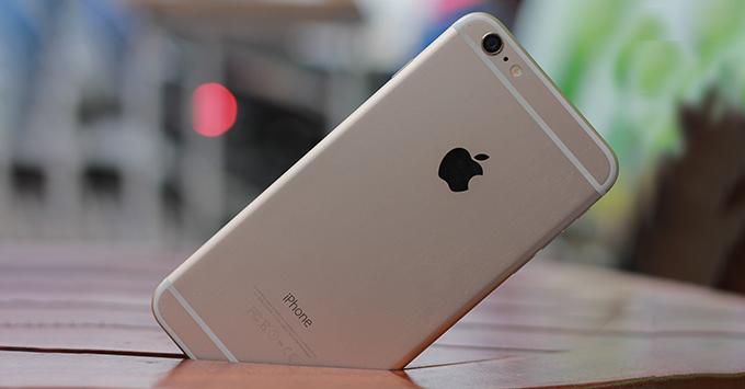 trung-tuyen-dai-hoc-nen-mua-smartphone-nao-tu-thuong-cho-ban-than-1