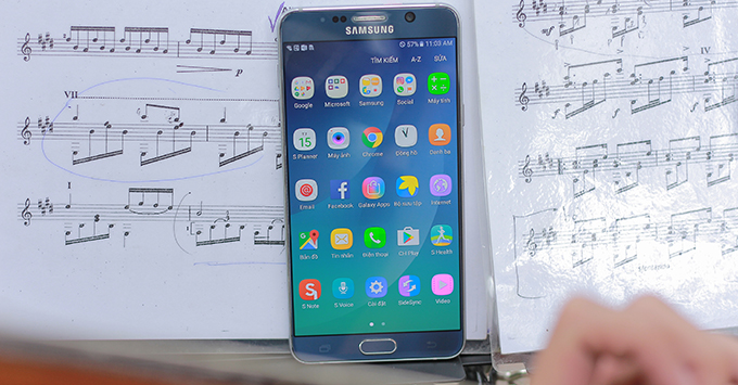 5-ly-do-nen-mua-galaxy-note-5-thay-vi-note-fe1