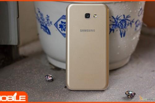Có nên mua Galaxy A7 hàng công ty giá 6 triệu đồng vào thời điểm này?