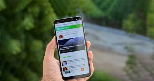 Xiaomi Pocophone F1 bản 8GB RAM lộ điểm benchmark 'khủng long'