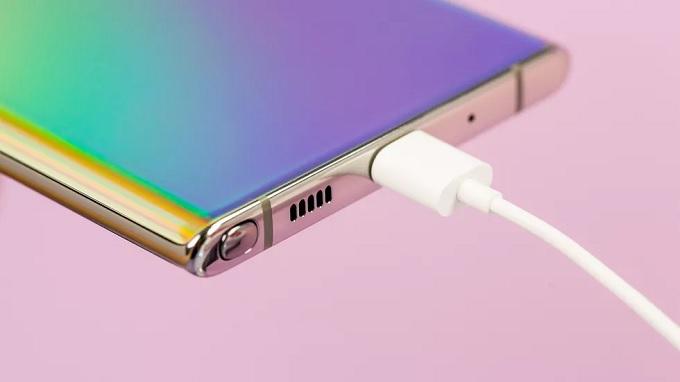 Galaxy Note 10 Plus 5G kết hợp với RAM 12GB