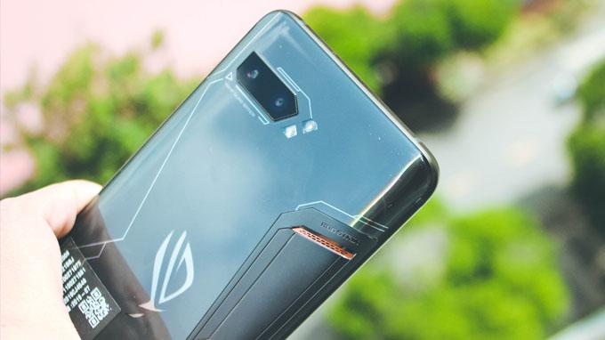 Camera ROG Phone 2 được tích hợp hệ thống camera kép