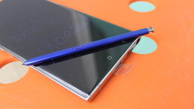 Samsung đã bổ sung rất nhiều tính năng cao cấp trên bút S-Pen mang đến trải nghiệm tốt nhất cho người dùng