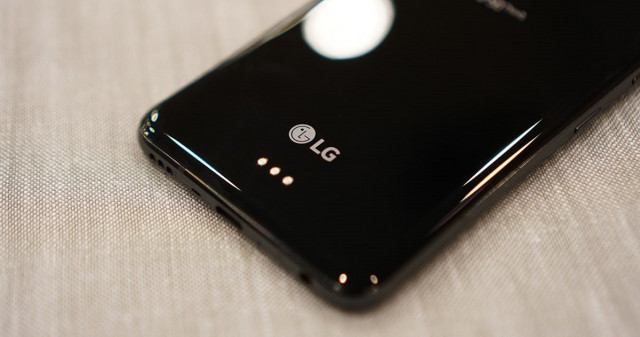 So sánh LG G8 ThinQ và G8x ThinQ - Phiên bản cải tiến có vượt trội so với phiên bản tiền nhiệm không ?