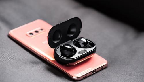Galaxy Buds Plus được cập nhật thêm 1 bộ widget theo dõi tình trạng và điều khiển tai nghe trên màn hình smartphone