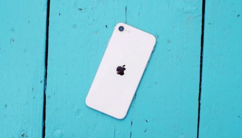 Test pin iPhone SE 2020 - Liệu Apple có đảm bảo được thời lượng pin tốt trong kích thước nhỏ bé kia không ?