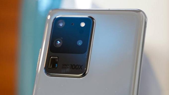 Camera selfie trên Galaxy S20 Ultra 256GB là ống kính 40MP