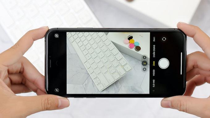 Camera iPhone 11 Pro Max 64GB cũ là điện thoại đầu tiên có 3 ống kính