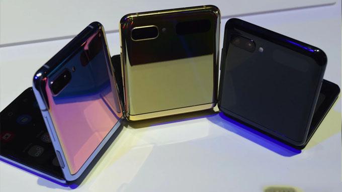 Galaxy Z Flip là chiếc điện thoại thứ 2 trên thị trường sở hữu thiết kế vỏ sò