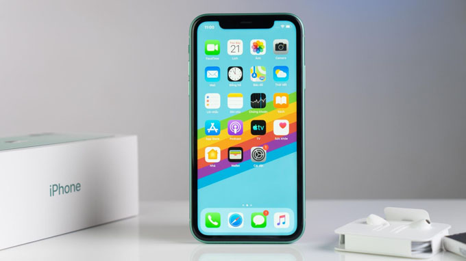 Apple sử dụng loại màn hình cực sắc nét với công nghệ Super Retina XDR cho khả năng hiển thị hình ảnh và màu sắc rực rỡ