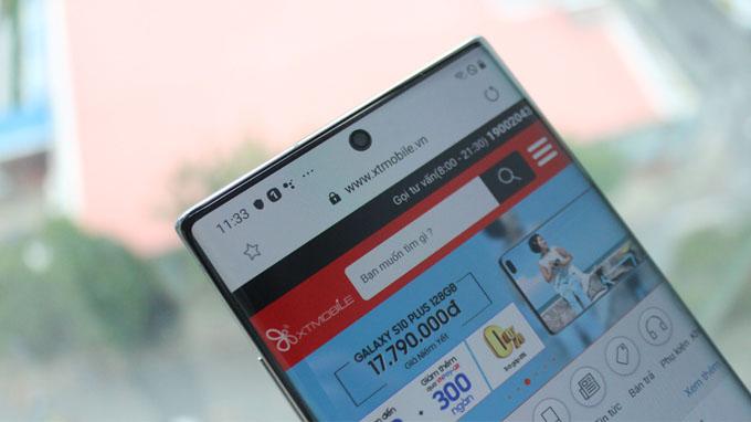 Samsung đã tối ưu các viền bezel cực mỏng, notch ruồi được đặt ở vị trí trung tâm