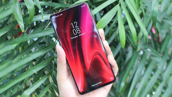 Redmi K20 là điện thoại giá rẻ được ra mắt cùng lúc với Redmi K20 Pro