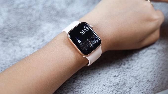 Apple Watch Series  5 GPS còn được nâng cấp cảm biến đo nhịp tim và điện tâm đồ