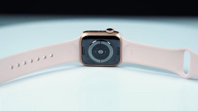 Apple Watch Series 5 40mm cho thời lượng sử dụng lên đến 18 giờ