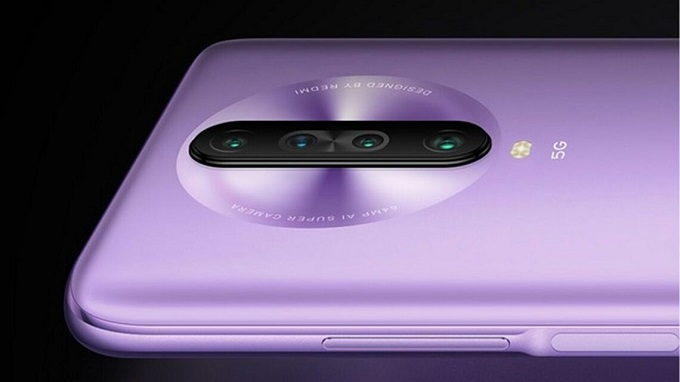 Redmi K30 5G Racing Edition cũng đi kèm bốn camera ở mặt sau được xếp theo chiều dọc ở chính giữa hình tròn