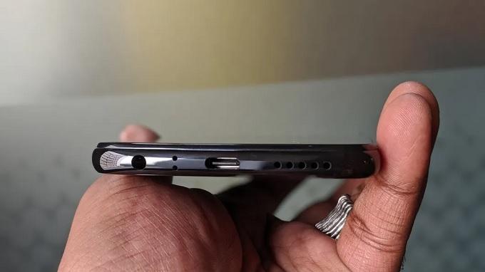 Redmi Note 8 được tặng kèm cục sạc nhanh 18W trong hộp
