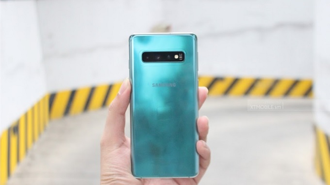 Thiết kế Galaxy S10 rất bắt mắt