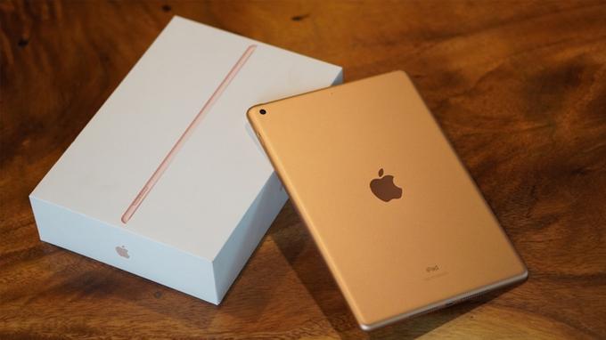 Một điểm đặc biệt là iPad 2019 được làm hoàn toàn từ vật liệu nhôm có khả năng tái chế