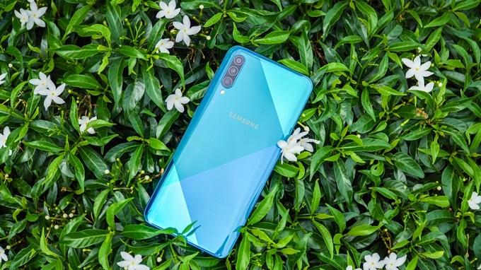 Thiết kế Galaxy A50s tinh tế hơn với nhiều lựa chọn màu