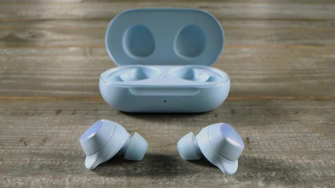 Thiết kế tai nghe thông minh, gọn nhẹ