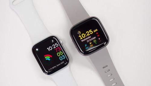 So sánh Apple Watch Series 5 và Fitbit Versa 2: Đắt có xắt ra miếng?