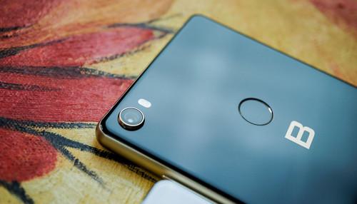Bphone 4 là smartphone có bộ phận camera ấn tượng chưa từng thấy