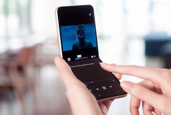 Màn hình Galaxy Z Flip3 5G có độ bền tốt hơn hẳn so với người tiền nhiệm