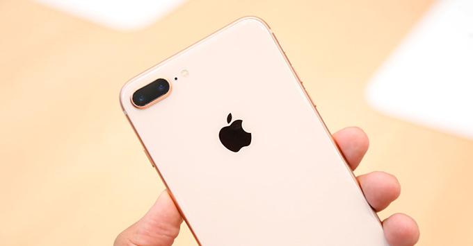 iphone-88-plus-va-iphone-x-vua-ra-mat-co-sanh-duoc-voi-note-8-