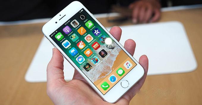 iphone-88-plus-va-iphone-x-vua-ra-mat-co-sanh-duoc-voi-note-8-5