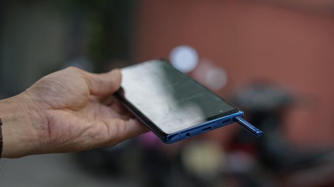 Nhung-hinh-anh-cua-Galaxy-Note-8-xuat-hien-o-khap-noi-XTmobile