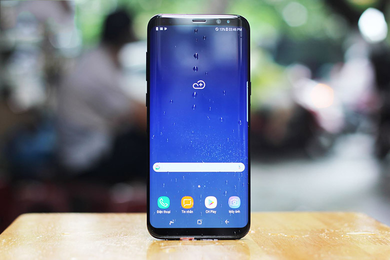 Samsung-Galaxy-S8-Plus-gia-re-han-man-hinh-vo-cuc-xtmobile