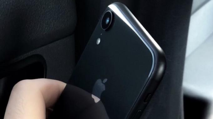 iphone-xr-chi-duoc-trang-bi-camera-don-o-phia-sau-xtmobile